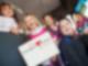 Aktion Kinderherzen Erzgebirge Kids lachen mit Logo Aktion