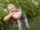 Uwe Fischer im Garten 1080